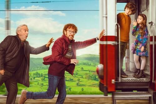 '¡A todo tren! Destino Asturias': una estrambótica comedia familiar de Santiago Segura en la que emula el espíritu de 'El hormiguero'