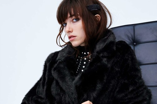 Abrigos de pelo en rebajas para lucir con estilazo los días de más frío