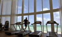 Ejercitar los músculos mientras hacemos ejercicio aeróbico, pros y contras