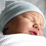 """""""No beses a mi bebé"""": el grave peligro que puede causar dar besos a los recién nacidos"""
