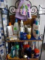 Ordena tu estantería de cosméticos en el cuarto de baño: prioridades a tener en cuenta