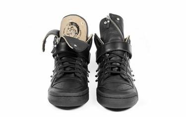 Zapatillas Diesel & Adidas Originals, ¿te atreves con las tachuelas en tu calzado?