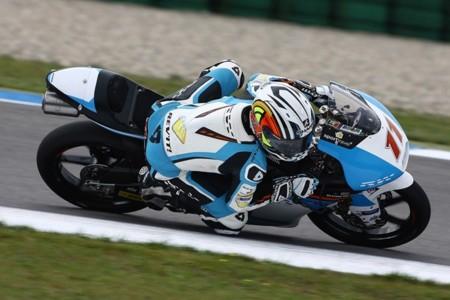 MotoGP Indianapolis 2015: Livio Loi se la juega a una carta y gana su primera carrera de Moto3