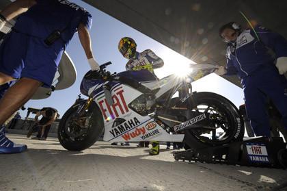 Rossi consigue su pole número 50 en Italia
