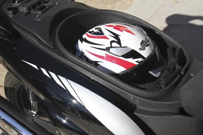 Foto de MX Motor C5 125, primer scooter de rueda alta de la marca española (7/53)