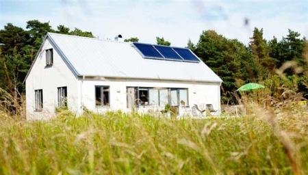 Puertas abiertas: una casa de veraneo en Suecia