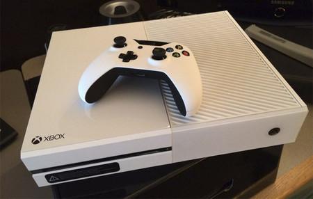 Finalmente sí habrá una Xbox One blanca en el mercado, y vendrá acompañada de Sunset Overdrive