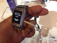 Samsung da la cara ante las críticas: tenemos 800,000 Galaxy Gear en el mercado