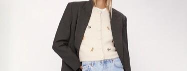 Estas chaquetas de punto bordadas de Zara son dos alternativas a los famosos sets florales