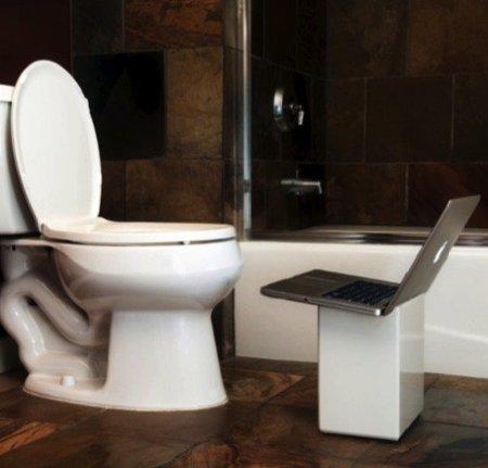 iPoop para utilizar el portátil en el baño