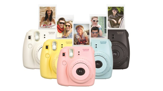 Wellbots Fujifilm Instax Mini 8 Instant Camera
