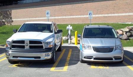 Chrysler toma de vuelta todos sus híbridos enchufables en pruebas por sobrecalentamiento de las baterías