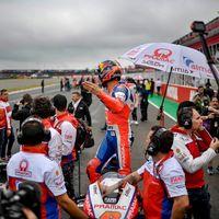 """Carmelo Ezpeleta exculpa a Dorna en el GP de Argentina: """"Los comisarios los nombran la FIM e IRTA"""""""