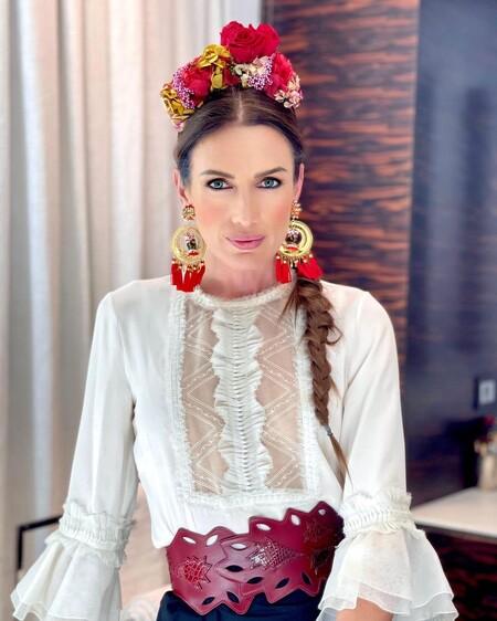Así es el peinado de Nieves Álvarez al más puro estilo Frida Kahlo que nos ha conquistado