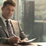A Ricky Martin le va el estilo Christian Grey para tomar café