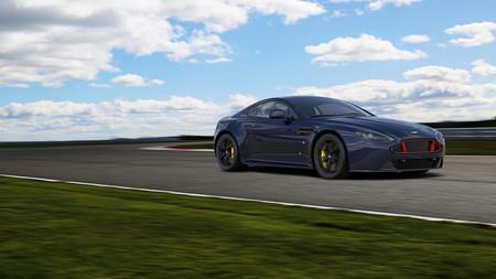 Así de coloridos son los Aston Martin V8 y V12 Vantage S Red Bull Racing Edition