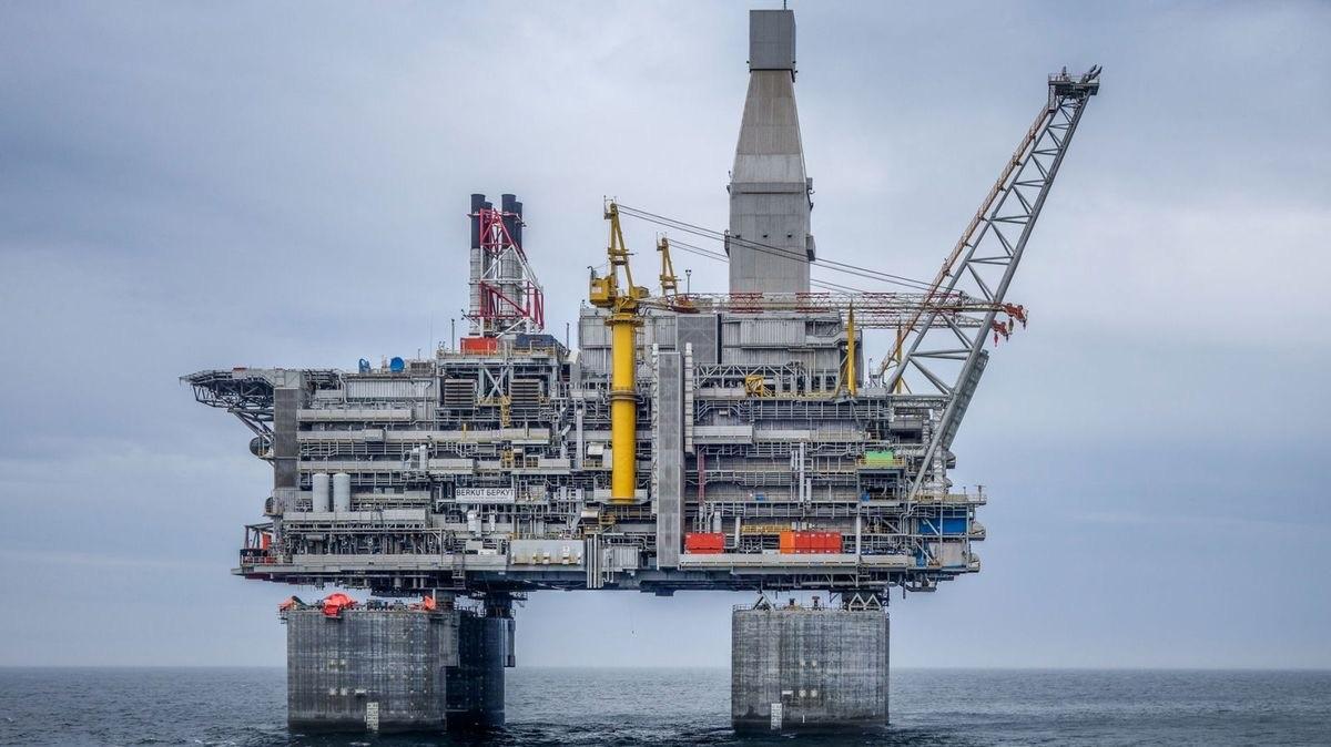 El fascinante mundo de las plataformas petrolíferas: estructuras flotantes de 200.000 toneladas o 2.900 metros de profundidad