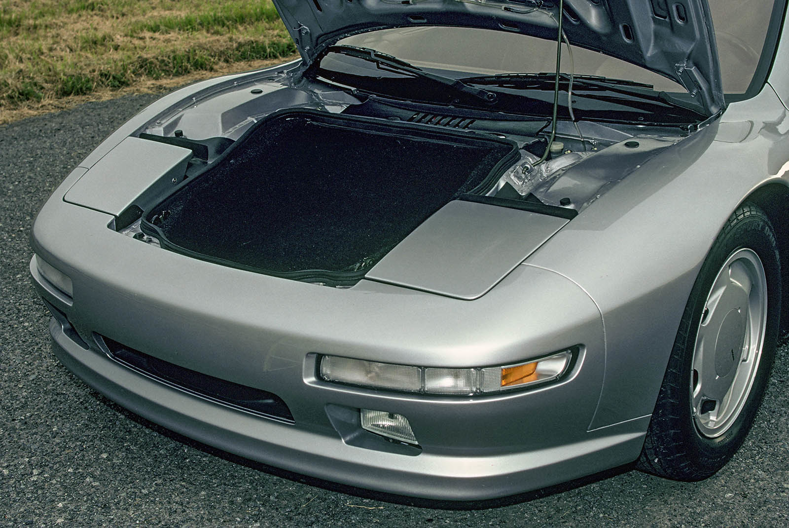 Foto de Nissan MID-4 II 1987 (19/20)