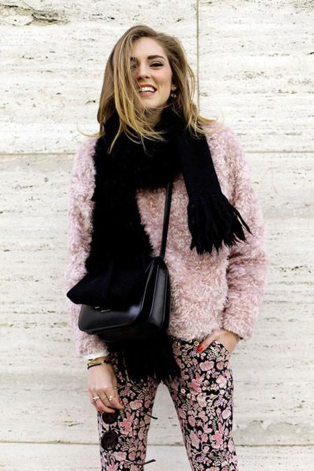 De los fluffy coats a los fluffy sweaters: las calles se llenan de peluches