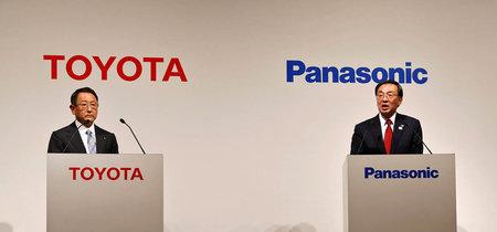 Toyota y Panasonic desarrollarán juntos baterías de coches eléctricos. ¿Es el nacimiento de un gigante del coche eléctrico?