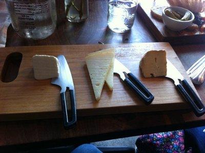 Instantáneas de California: ¿qué pasa cuando mezclas hipsters y quesos? Almorzando en Mision Cheese