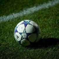 Orange y Vodafone no quieren dejar que Movistar respire, prolongan sus actuales precios del fútbol