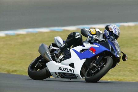 suzuki-gsx-r-1000-2005-cruzada.jpg