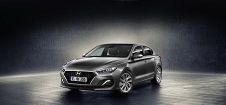 ¡Sorpresa! Este es el Hyundai i30 Fastback, una arriesgada apuesta para re-popularizar los diseños coupé