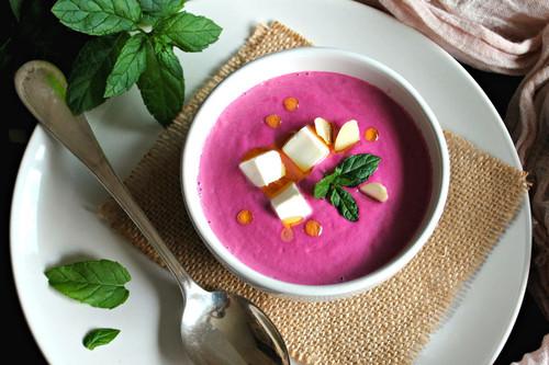 Tu dieta semanal con Vitónica: menú con sopas frías para favorecer la hidratación esta temporada