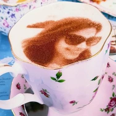 ¿Tu cara en la espuma de un café? Sí, ahora es posible: llega a Londres el 'selfieccino'