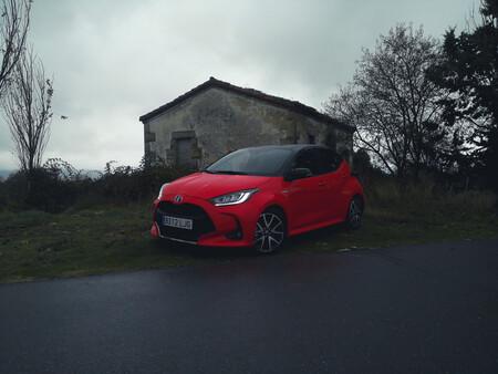 Probamos el nuevo Toyota Yaris Electric Hybrid Style Premiere Edition, el más equipado y con carrocería bicolor