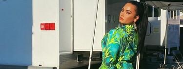Demi Lovato luce el icónico vestido de Versace de Jennifer Lopez en versión traje working (pero Chiara y Fedez ya lo hicieron antes)