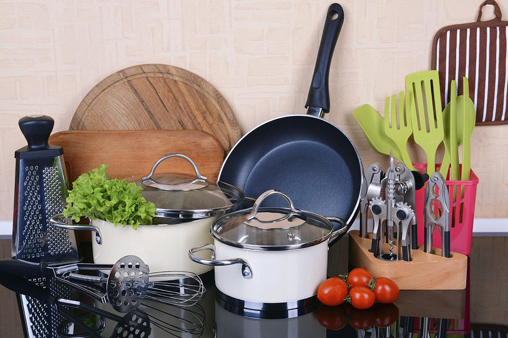 Los 25 cacharros que te llevar as a una cocina desierta for Cacharros cocina