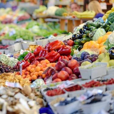 Así es como una dieta alta en frutas y verduras ayuda a proteger al medio ambiente (y a controlar tu peso)