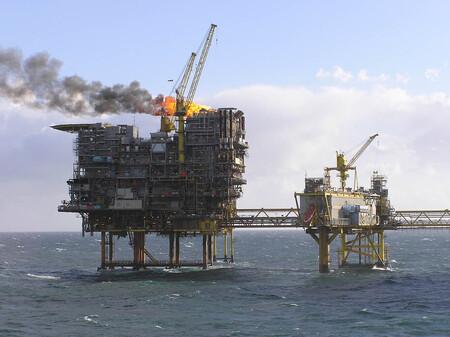 China consigue bajar el precio del petróleo al liberar parte de sus reservas estratégicas