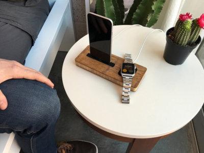 iSkelter, una base de carga para Apple Watch y iPhone hecha a mano en… bambú