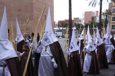 ¿Llevaréis a vuestros hijos a ver alguna procesión de Semana Santa? La pregunta de la semana