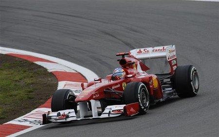 GP de Alemania F1 2011: Fernando Alonso no puede superar a Lewis Hamilton