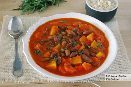 Curry sencillo de calabaza con alubias rojas. Receta saludable