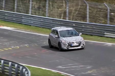 Este puede ser el primer Hyundai i30 N, preparándose para correr las 24 Horas de Nürburgring
