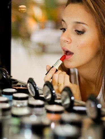 ¿Por qué compramos cosméticos y tratamientos de belleza?