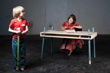 Una buena idea: mesa de altura regulable para niños
