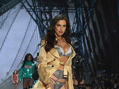 ¿Por qué Irina Shayk desfiló tan cubierta en el VS Fashion Show?