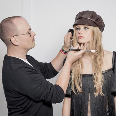 Delineado en negro y pieles perfectas: tenemos las claves del  maquillaje de Dior en su desfile Otoño-Invierno 2020/2021