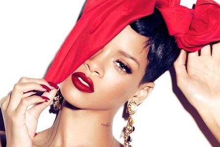 Rihanna suma y sigue con MAC convirtiéndose en la imagen del Viva Glam