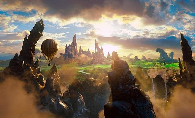 Imagen con un cartel de la película 'Oz, un mundo de fantasía'