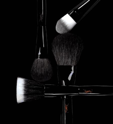 La nueva tentación de YSL viene en forma de pinceles de maquillaje