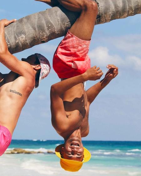 Hollister hará que tu verano sea más cool con sus bañadores en los que aparecen prints al mojarse