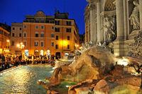La Fontana de Trevi de Roma recaudó 540.000 euros en monedas