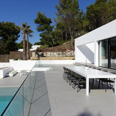 Puertas abiertas: Villa Omnia, una vivienda espectacular para disfrutar las vacaciones en Ibiza